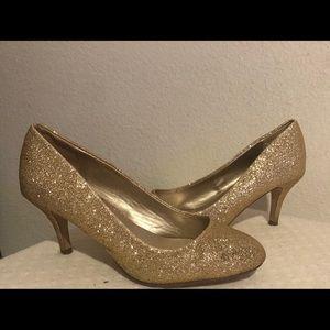 Gold glittery Heels 7 1/2
